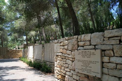 L'olocausto degli ebrei e i suoi eroi